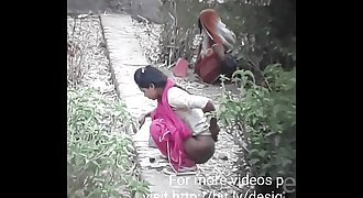 Desi Girl Caught Pissing Outdoor