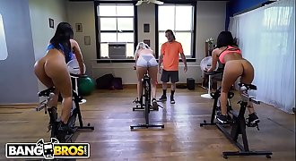 BANGBROS - Latin MILF Rose Monroe Gets Her Big Ass Worked Out By Brick Danger